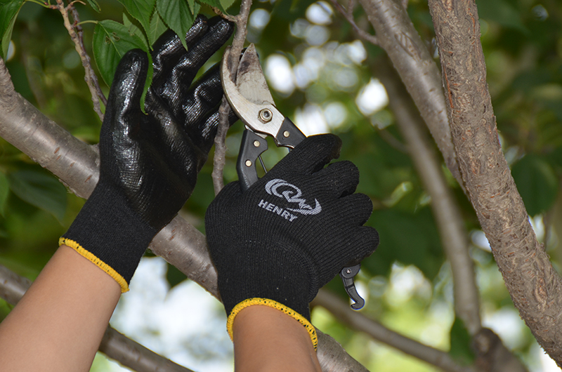 LATEX COATED AND SMOOTH FINISH GLOVE